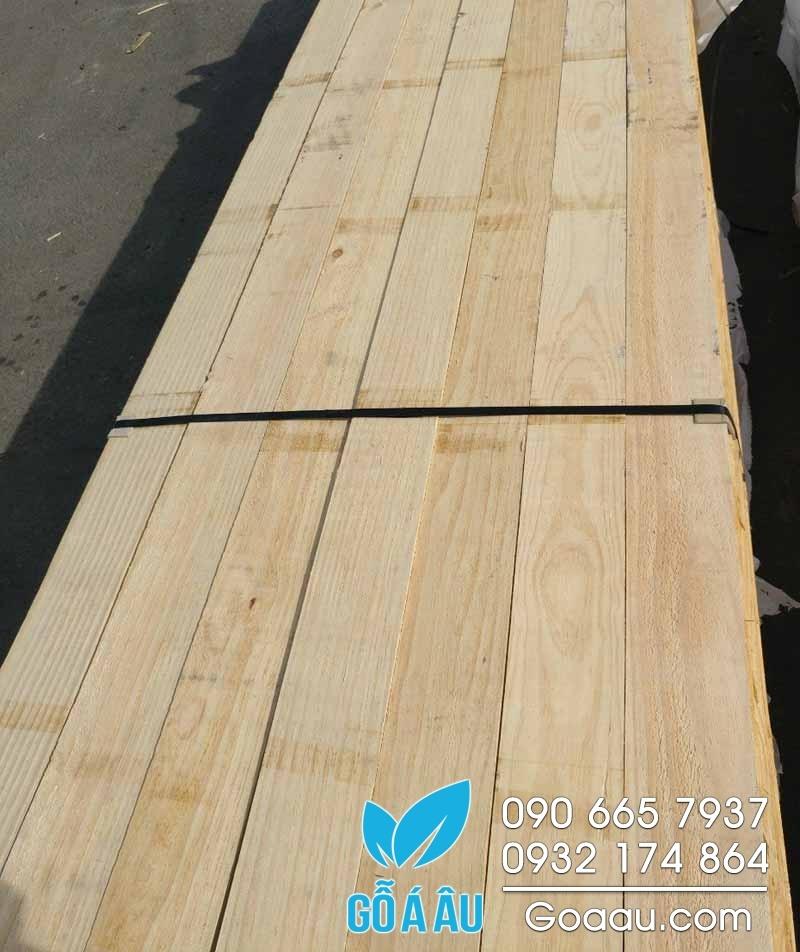 gỗ thông new zealand