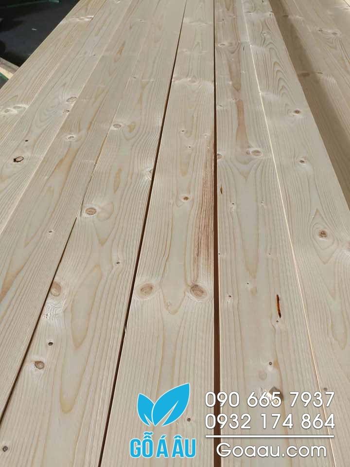 gỗ thông phần lan